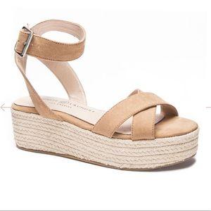 Chinese Laundry | Tan Platform Sandals 9.5